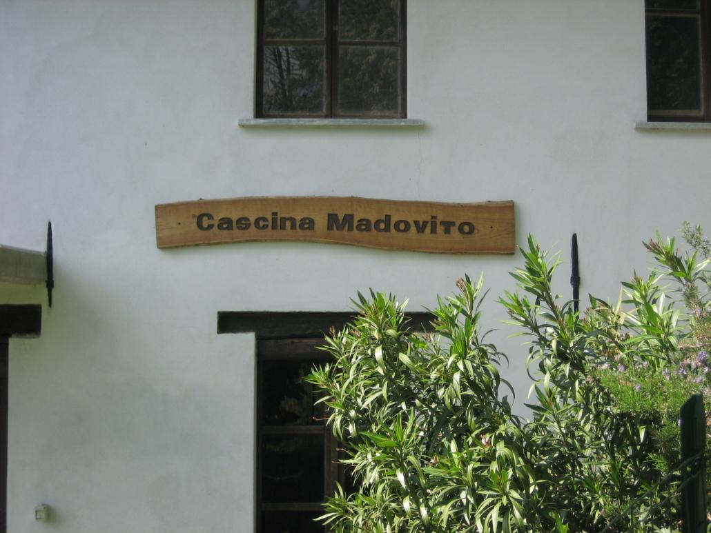 Cascina Madovito Cossano Belbo CN